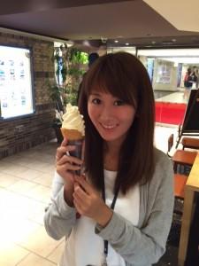 桃のアイスクリーム(果肉いり)